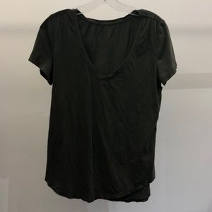 Lululemon olive green soft s/s top sz 6 68760